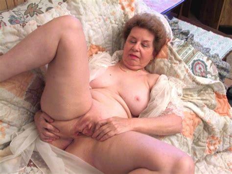 Granny pussy porn videos jpg 1126x844