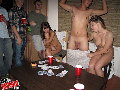 amateur strip couple jpg 927x696