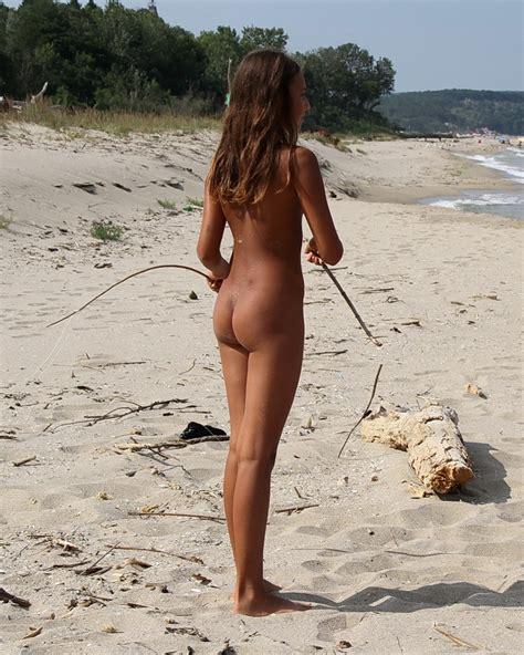 ru nudist jpg 925x1156